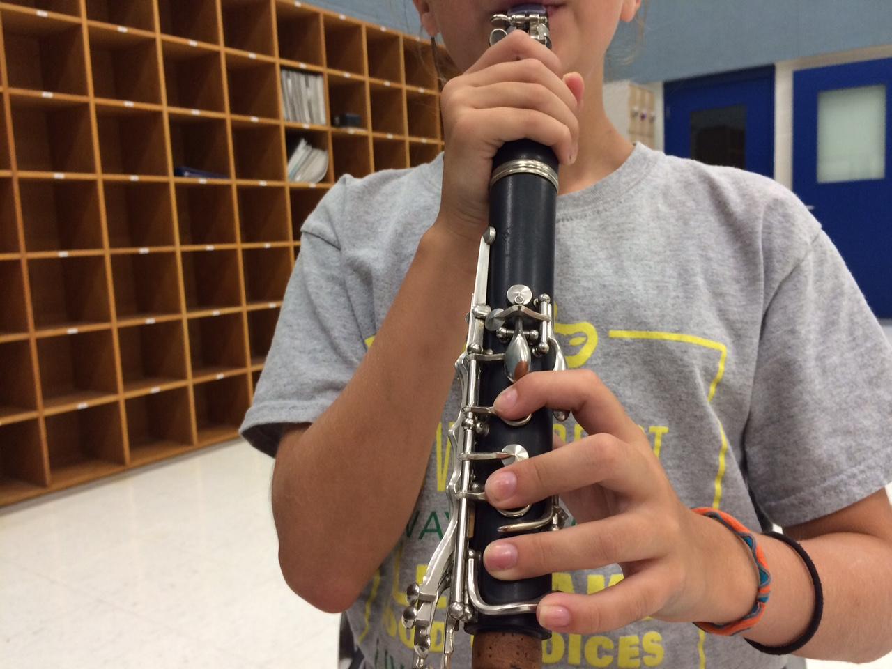 Clarinet hand position